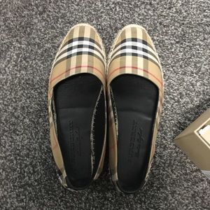 BURBERRY HODGESON VINTAGE CHECK FLAT